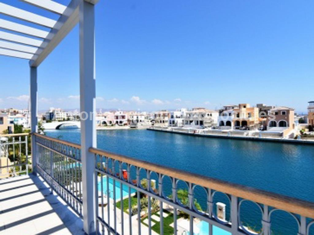 Detached House in Limassol (Limassol Marina) for sale