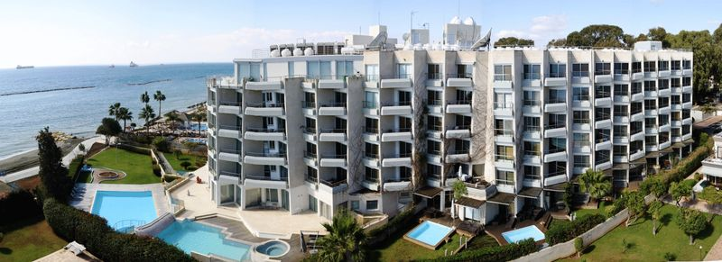 1 bed superior spacios apartment on the beach properties for sale in cyprus