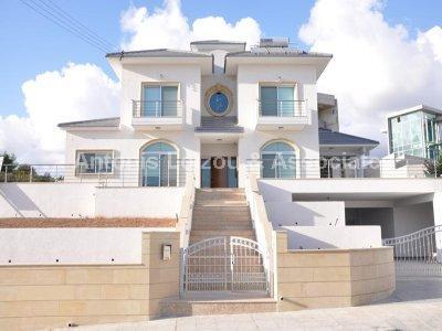 Detached Villa in Limassol (Mesovounia) for sale
