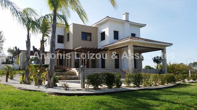 Villa in Limassol (Monagroulli) for sale