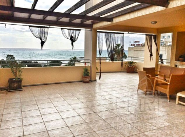 Penthouse in Limassol (Mouttagiaka) for sale
