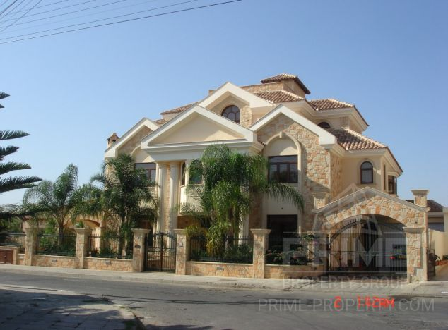 Villa in Limassol (New port) for sale