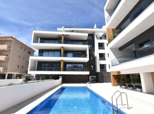 Sale of penthouse, 325 sq.m. in area: Papas -