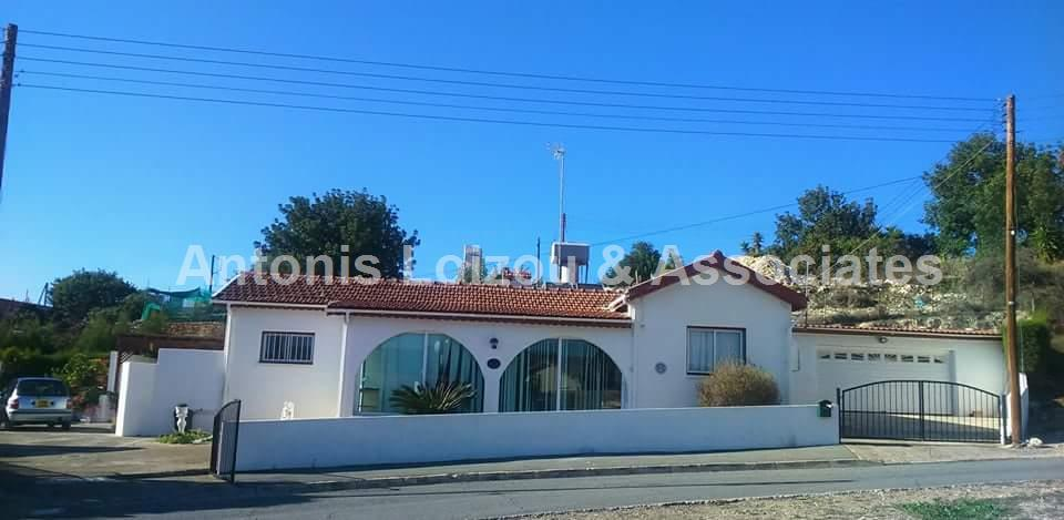 Bungalow in Limassol (Paramytha) for sale