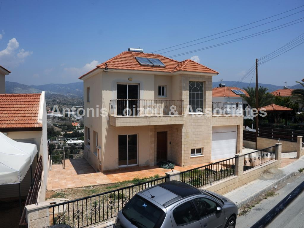 Detached House in Limassol (Pareklisia ) for sale