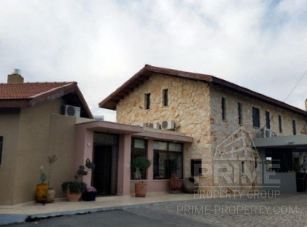 Sale of villa, 689 sq.m. in area: Pareklissia - properties for sale in cyprus