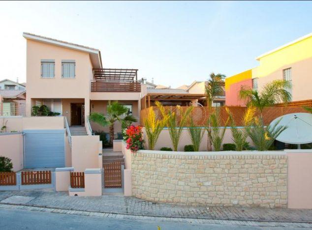 Sale of villa, 383 sq.m. in area: Parklane - properties for sale in cyprus