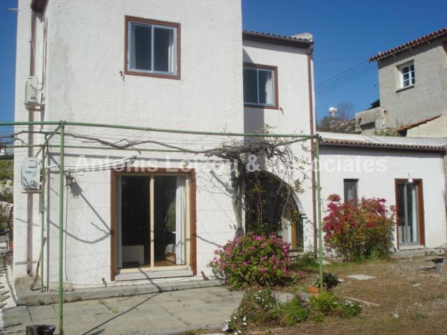Detached Village in Limassol (Pentakomo) for sale
