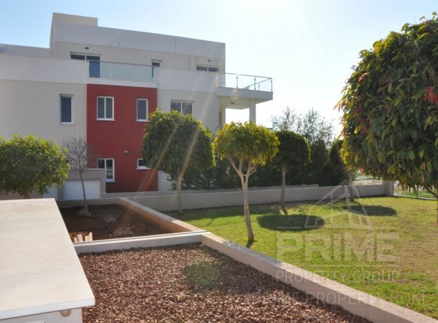 Garden Apartment in Limassol (Potamos Germasogeias) for sale