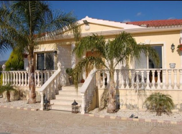 Sale of villa, 260 sq.m. in area: Pyrgos - properties for sale in cyprus