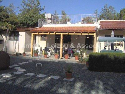 Traditional Hous in Limassol (Trimiklini) for sale