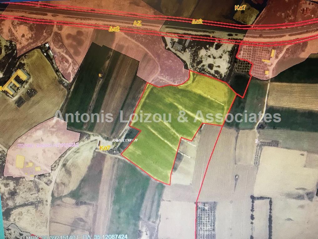 Field in Nicosia (Geri) for sale