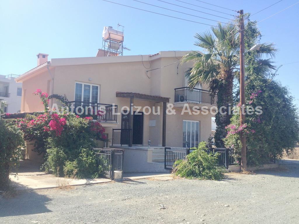 Detached House in Nicosia (Pera Chorio NIsou) for sale