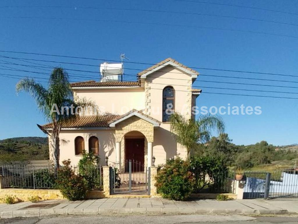 4 Bedroom en suite detached house with swimming pool in Sia properties for sale in cyprus