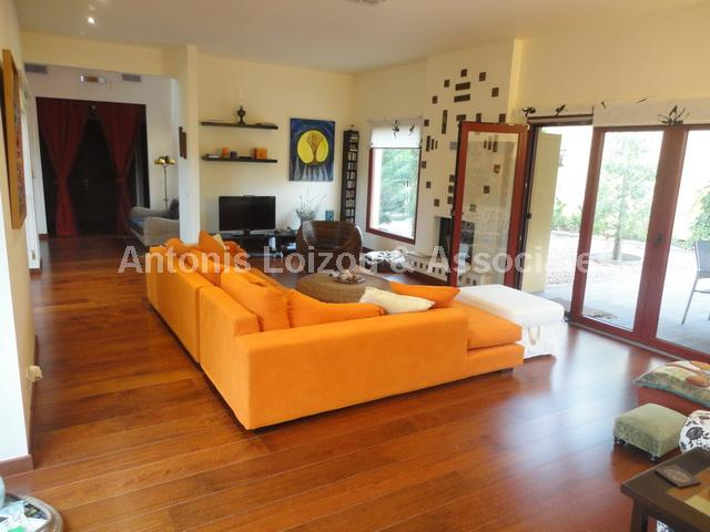 Detached House in Nicosia (Sia) for sale