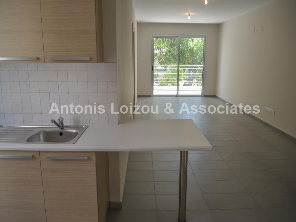 2 Bedroom Apartment with full bath and guest w/c