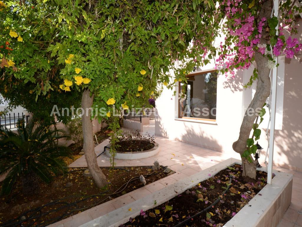 Semi detached Ho in Nicosia (Strovolos) for sale