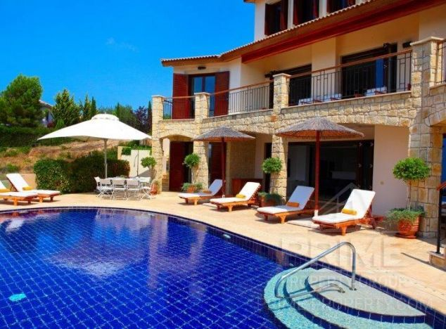 Sale of villa, 400 sq.m. in area: Aphrodite Hills - properties for sale in cyprus