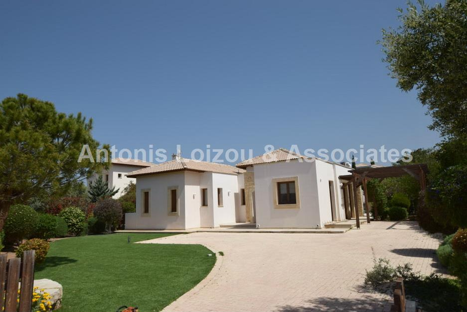 Detached House in Paphos (Aphrodite Hills) for sale