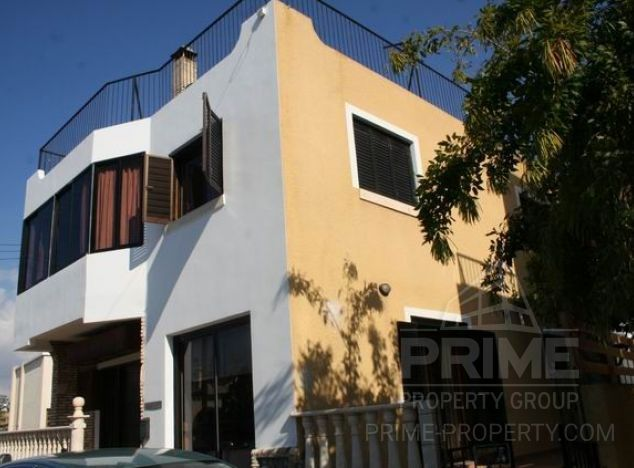 Sale of townhouse, 210 sq.m. in area: Chloraka - properties for sale in cyprus
