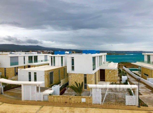 Sale of villa, 330 sq.m. in area: Coral Bay -