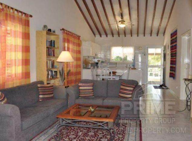 Bungalow in Paphos (Kato Paphos) for sale
