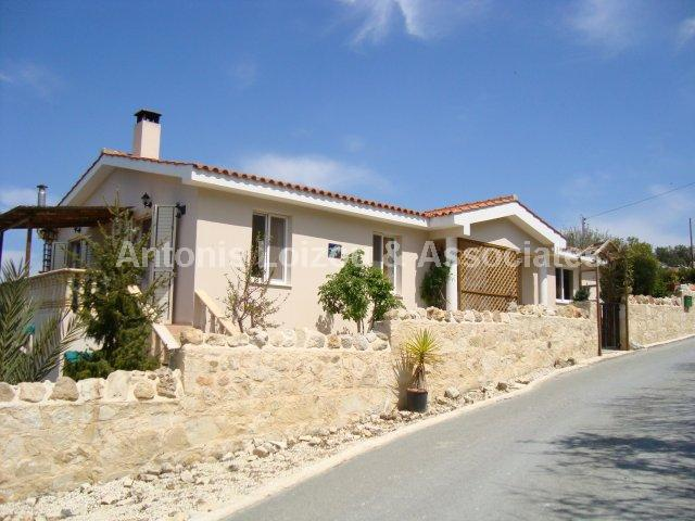 Bungalow in Paphos (Koili) for sale