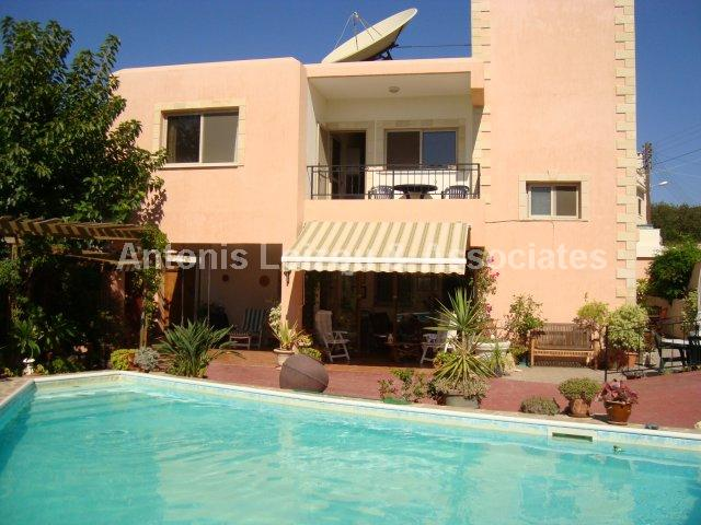 Detached Village in Paphos (Mesa Chorio) for sale