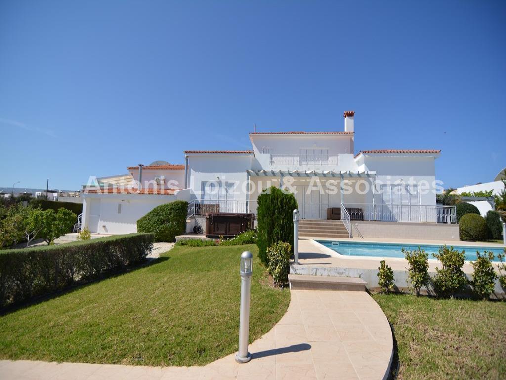 5 Bed Prestige Villa Neo Choriou