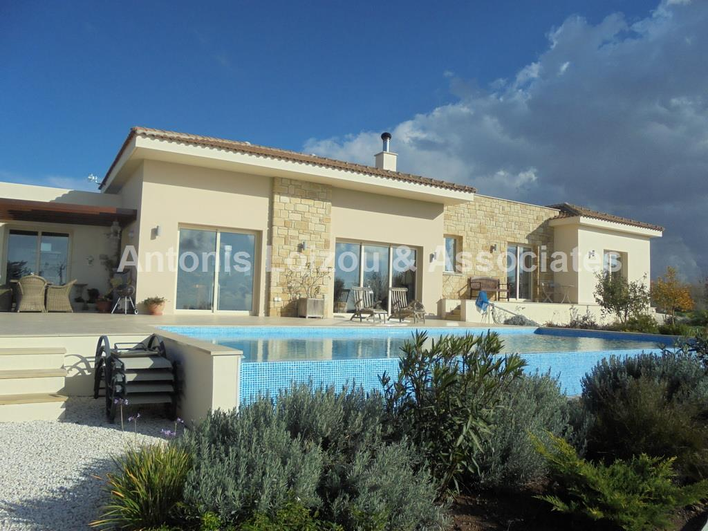 Bungalow in Paphos (Pano Arodes) for sale