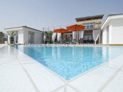 Villa in Paphos (Sea Caves Peyia) for sale