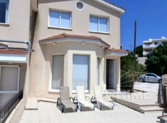 Townhouse in Paphos (Sea Caves) for sale