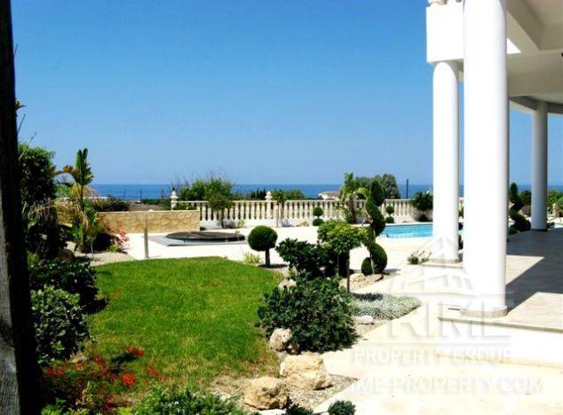 Sale of villa, 400 sq.m. in area: Sea Caves -