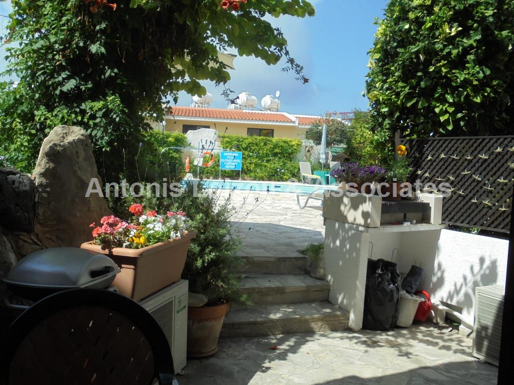 Stunning Spacious 2 Bed Apartment Tala properties for sale in cyprus