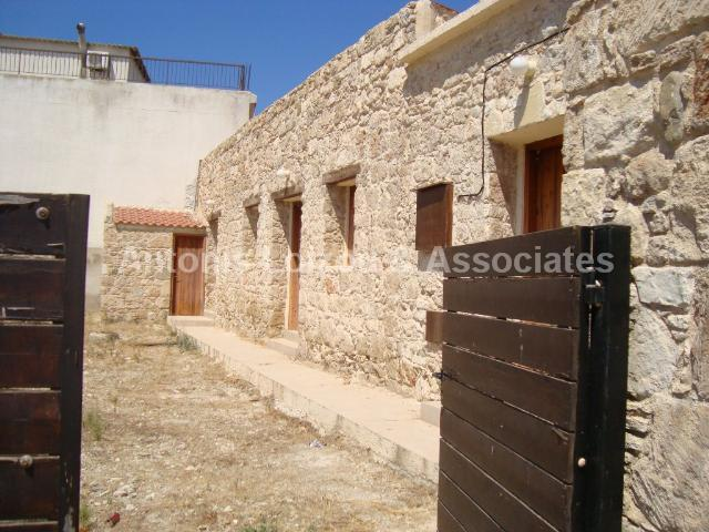 Semi Village Hou in Paphos (Timi) for sale