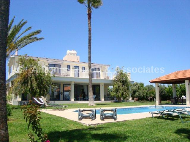 Villa in Paphos (Timi) for sale