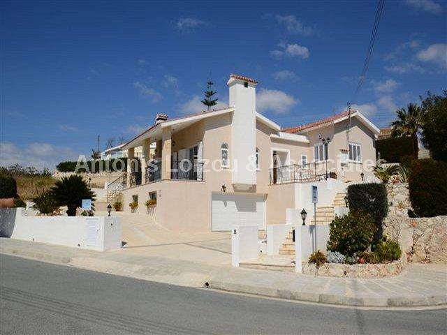 Detached House in Paphos (Tremithousa) for sale