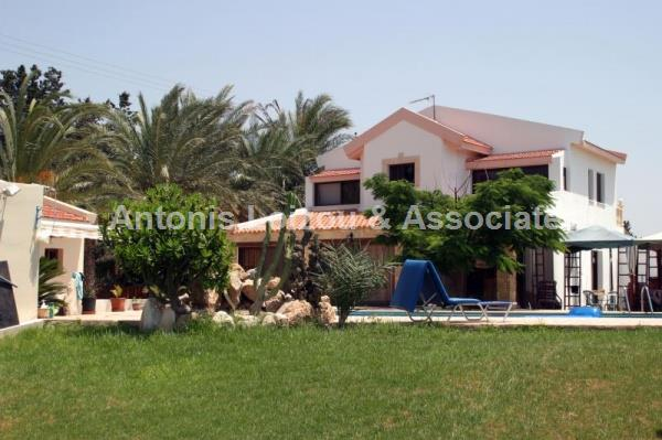 Villa in Paphos (Yeroskipou) for sale