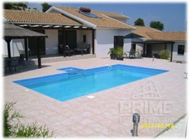 Sale of villa, 625 sq.m. in area: Pissouri - properties for sale in cyprus