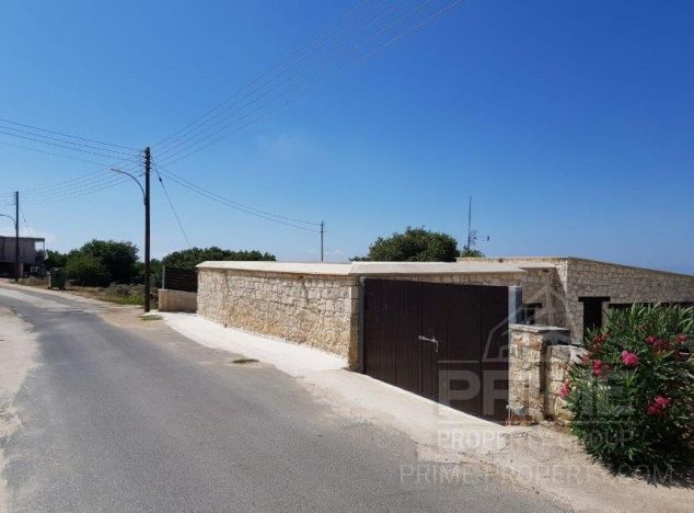 Sale of bungalow, 135 sq.m. in area: Drouseia - properties for sale in cyprus