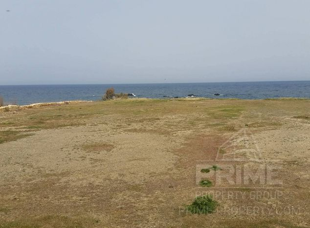 Land in  (Pomos) for sale