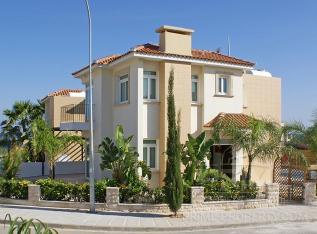 Villa in  (Center) for sale
