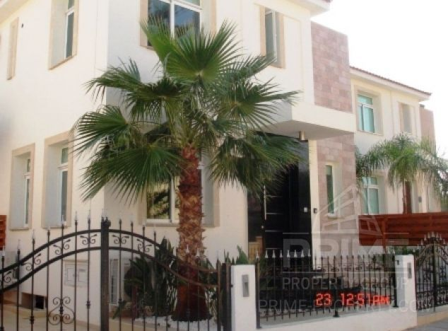 Villa in  (Deryneia) for sale