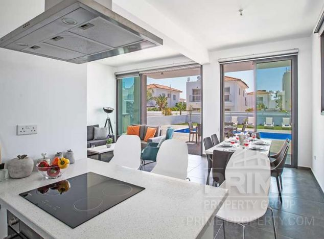 Villa in  (Pernera) for sale